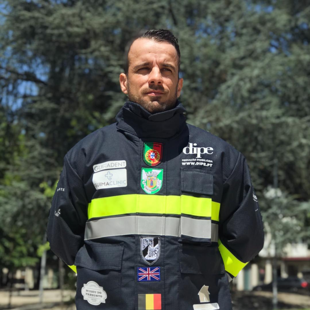 O Bombeiro Vimaranense André Caissara participa no ´British Firefighter Challenge´.